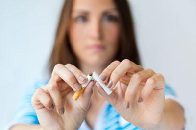 Afinal, Cigarro e Cirurgia Plástica combinam?